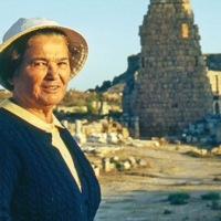 Perge'nin Son Kraliçesi Jale İnan / AKGÜN AKOVA