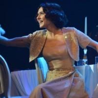 Şevval Sam' ın Teatral Başarısı! : Müzeyyen Müzikali / YAŞAM KAYA