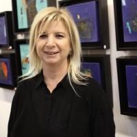 """Layla Coşkun: """"Sanat Durağında Mardinli Bir Kadın Ressam"""" / FÜSUN BALKAYA"""