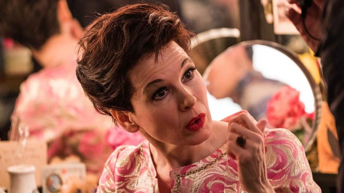 renee-zellweger-as-judy-garland-in-the-upcoming-film-judy-photo-credit-david-hindley-courtesy-of-ld-entertainment-and-roadside-attractions-2mb-2-h_2019